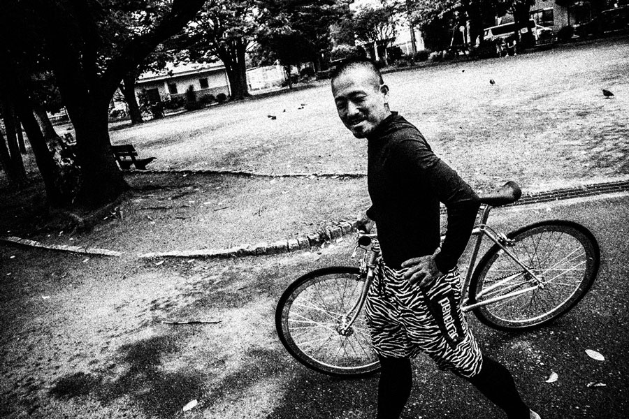 photographs : man with bike : 11