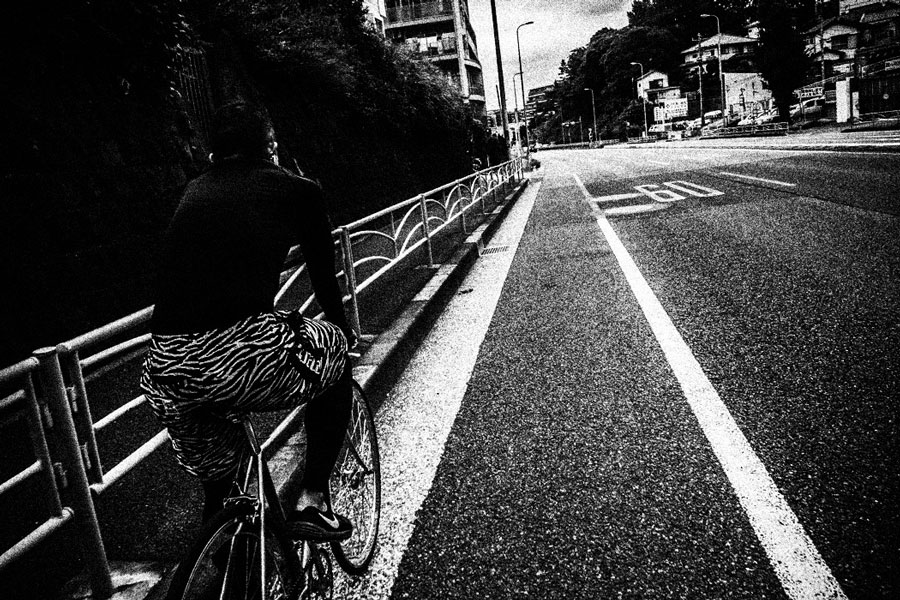 photographs : man with bike : 16