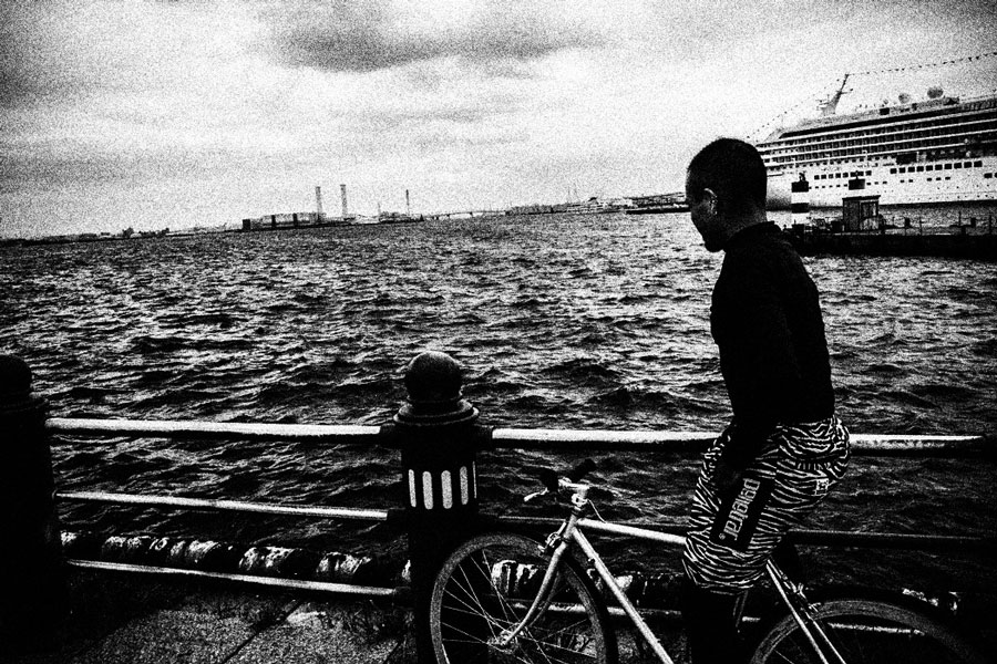 photographs : man with bike : 20