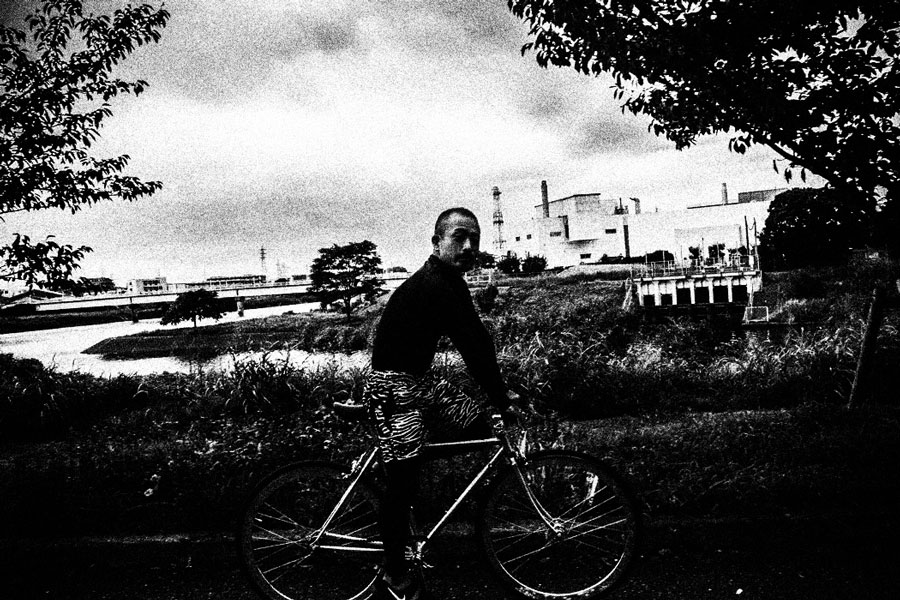 photographs : man with bike : 24