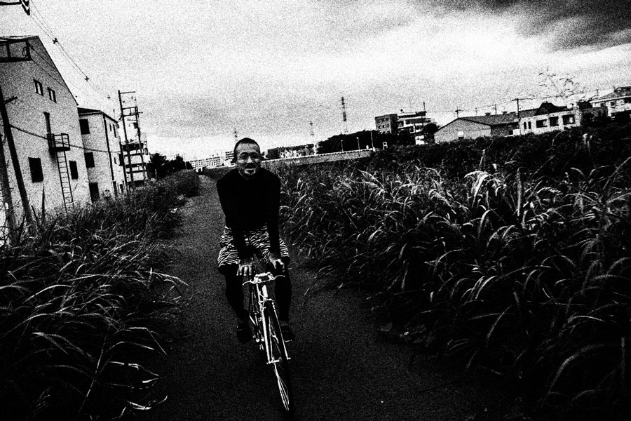 photographs : man with bike : 5