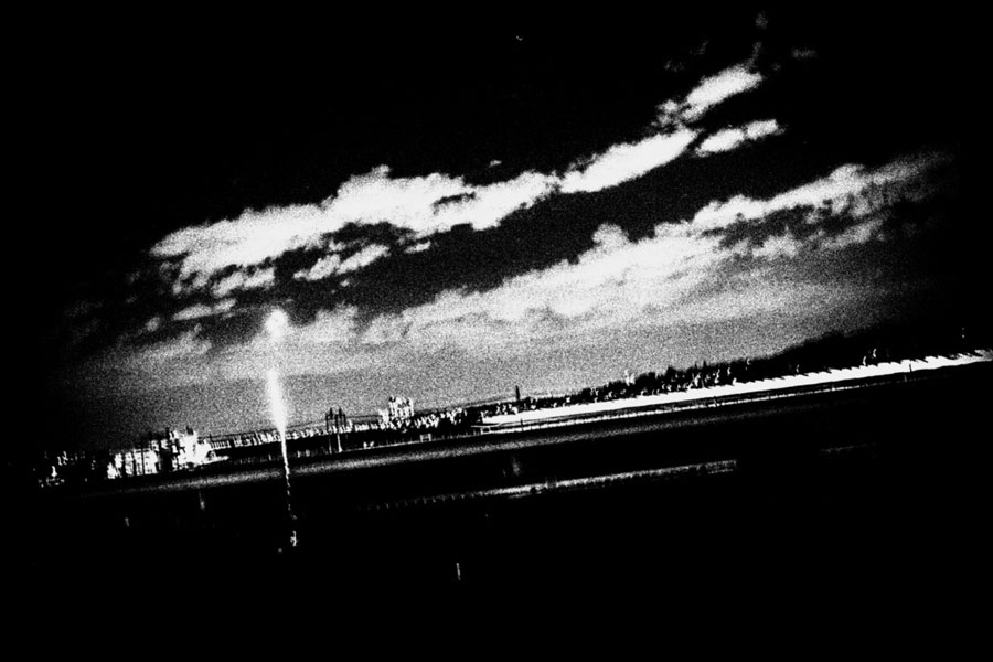 photographs : unravel : 16